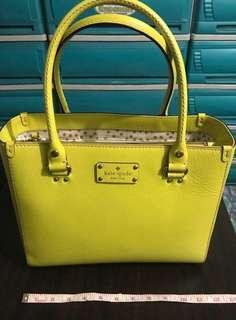 Authentic KATE SPADE HANDBAG GOOD AS NEW
