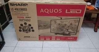 SHARP LC-40LE360D