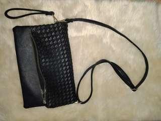 Pre-Loved Black Sling Bag 💝