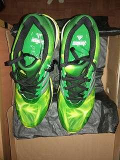 Adidas response boost Avengers Hulk