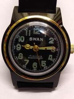 Swan80年代倉底全新穌联機蕊男裝機械表,17石,32mm,行走如常,原装表帶,黑色表面,品相如圖