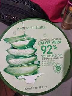 Nature republic aloe vera 92% soothing gellll...