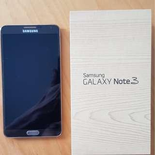 Samsung Galaxy Note 3 with spare battery