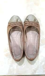 Brown Woman Flat Shoes