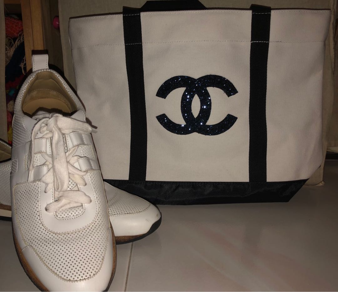 215f3102700234 2019 Chanel Precision Makeup sequined tote bag, Luxury, Bags ...