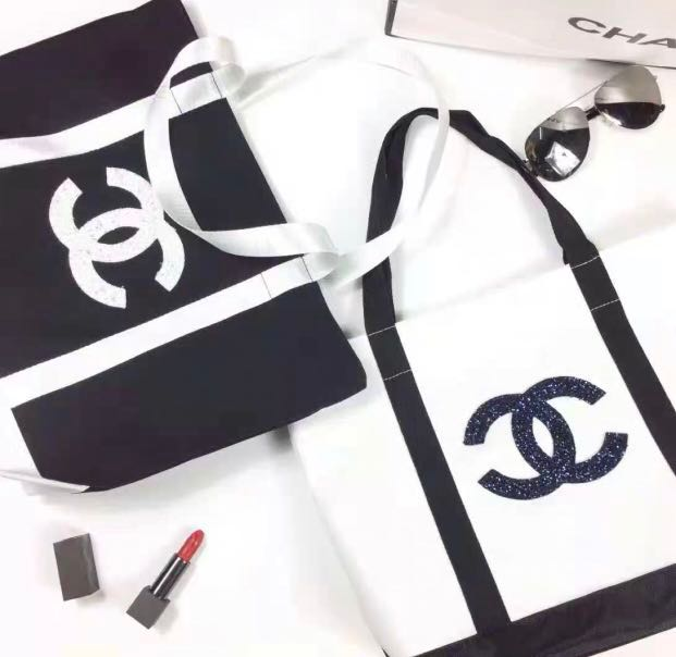 46f742393367f8 2019 Chanel Precision Makeup Tote Bag sequined, Luxury, Bags ...