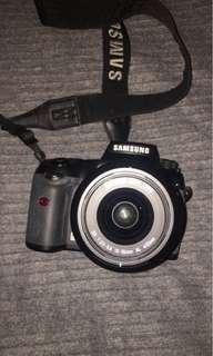 Samsung GX-20 camera