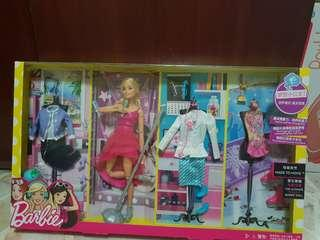 Barbie doll fashion set