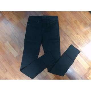 [BNWOT] Uniqlo WOMEN Ultra Stretch Jeans (Black)