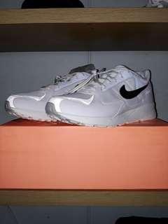 [SOLD] US10 Nike Air FOG Skylon 2 White