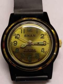 Swan全新倉底貨,80年代男裝穌联機蕊,17石,行走正常,金色表面,32mm,品相如圖。
