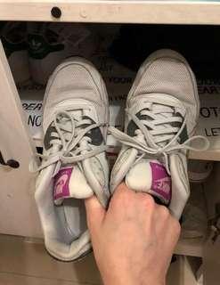 Nike 鞋 $99