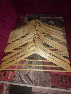 wooden hangers paubos