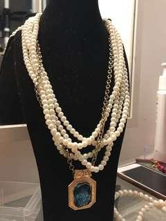 Green Stone Pearl Necklace (FREE POSTAGE)