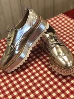 🚚 Zara銀色紳士鞋-9成新