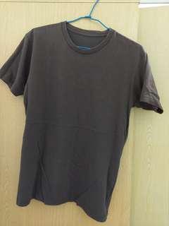 🚚 Uniqlo 短袖 上衣 咖啡色