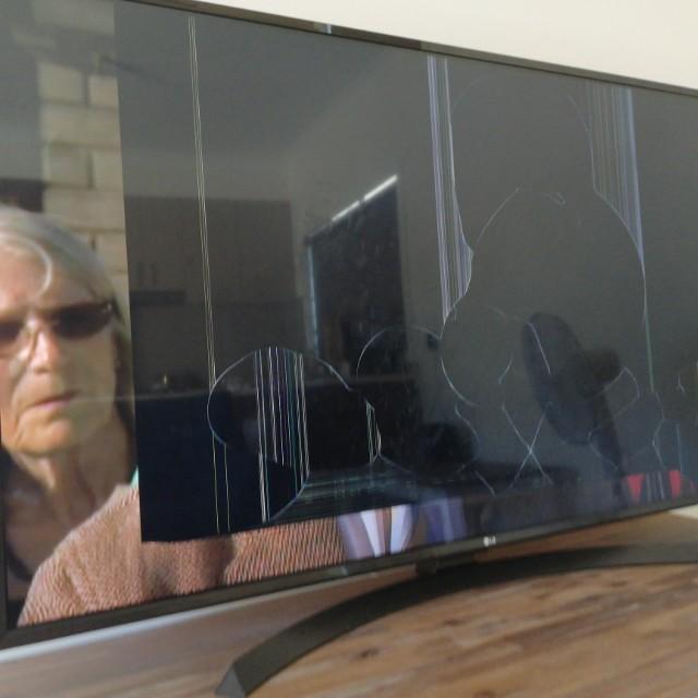 55 inch LG smart TV