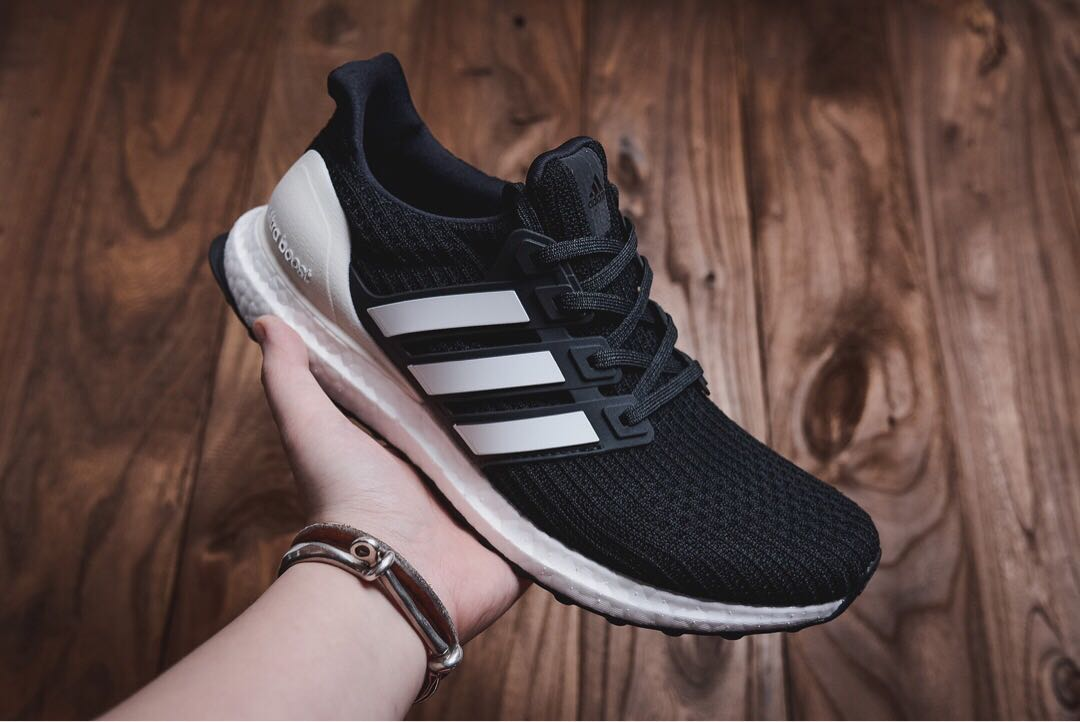 pretty nice a1bf0 f68bd Adidas Ultra Boost 4.0 Black and White