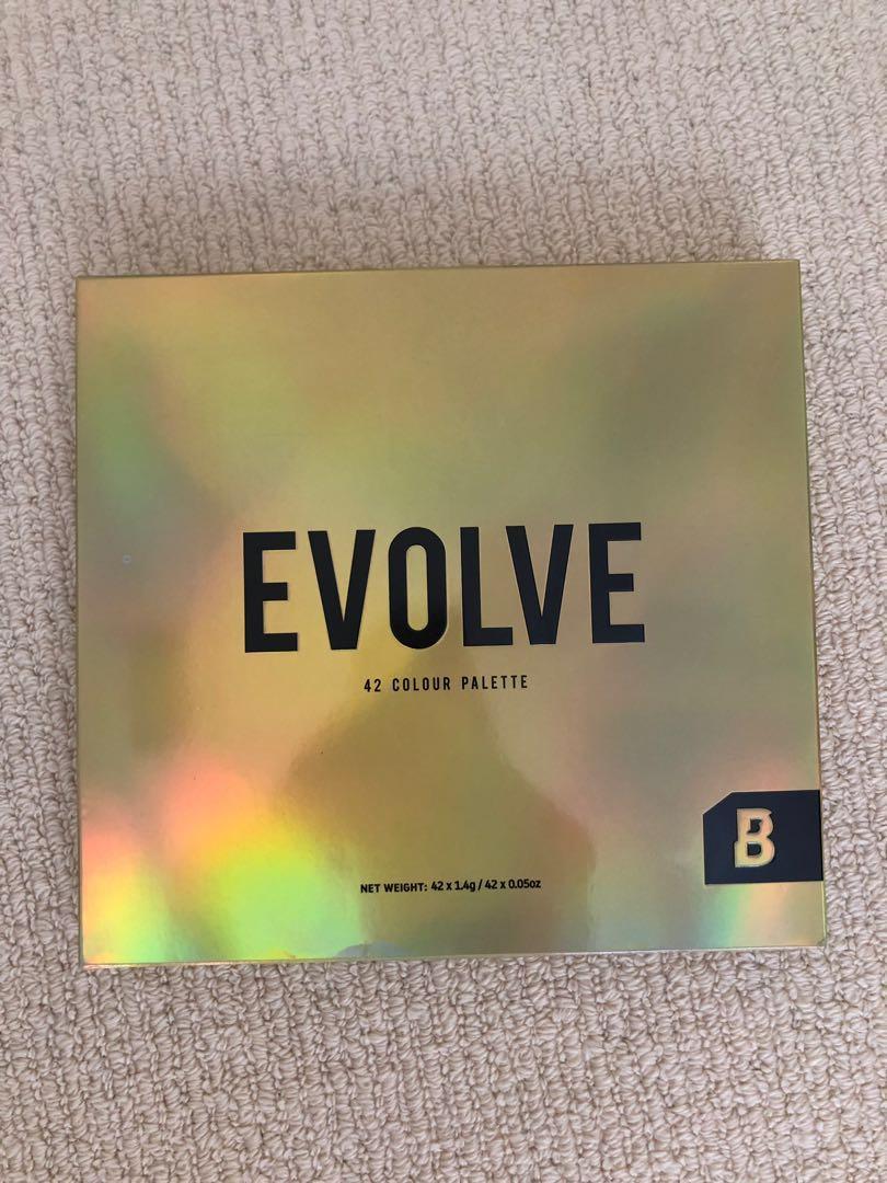 Brand new - BEAUTY BAY evolve 42 colour eyeshadow pallete