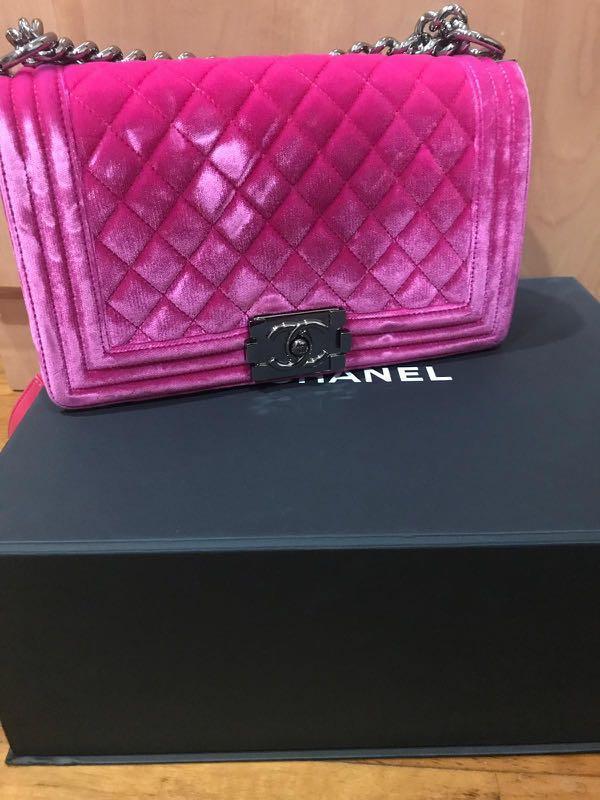 a09dd0b1b4855e Chanel Boy Velvet Pink Medium, Luxury, Bags & Wallets, Handbags on Carousell
