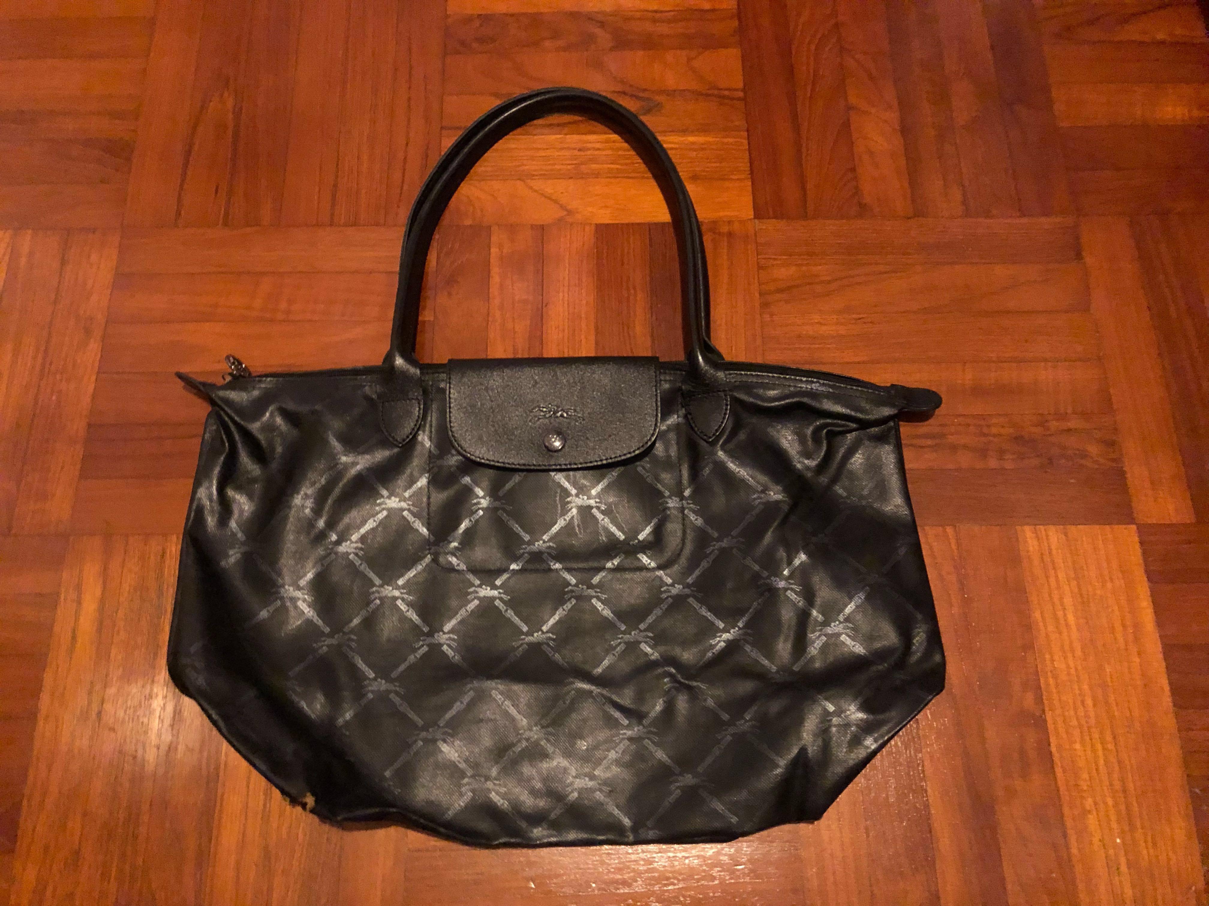Longchamp Black Le Pliage Bag, Women s Fashion, Bags   Wallets, Handbags on  Carousell 725bfc3c80