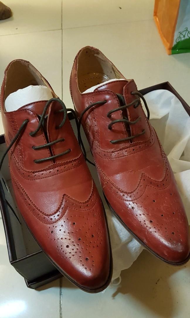 全新Oxbridge town 紅色尖頭皮鞋