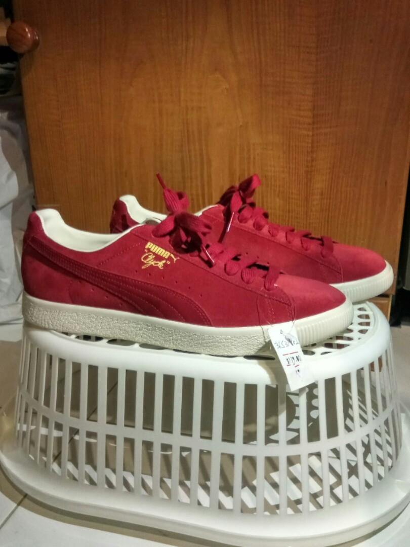 huge selection of 98aa5 d813e Puma Clyde From The Archive (Red Dahlia), Men's Fashion ...