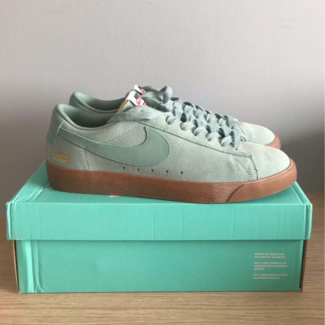 4e79c976a8 Supreme x Nike SB blazer Low