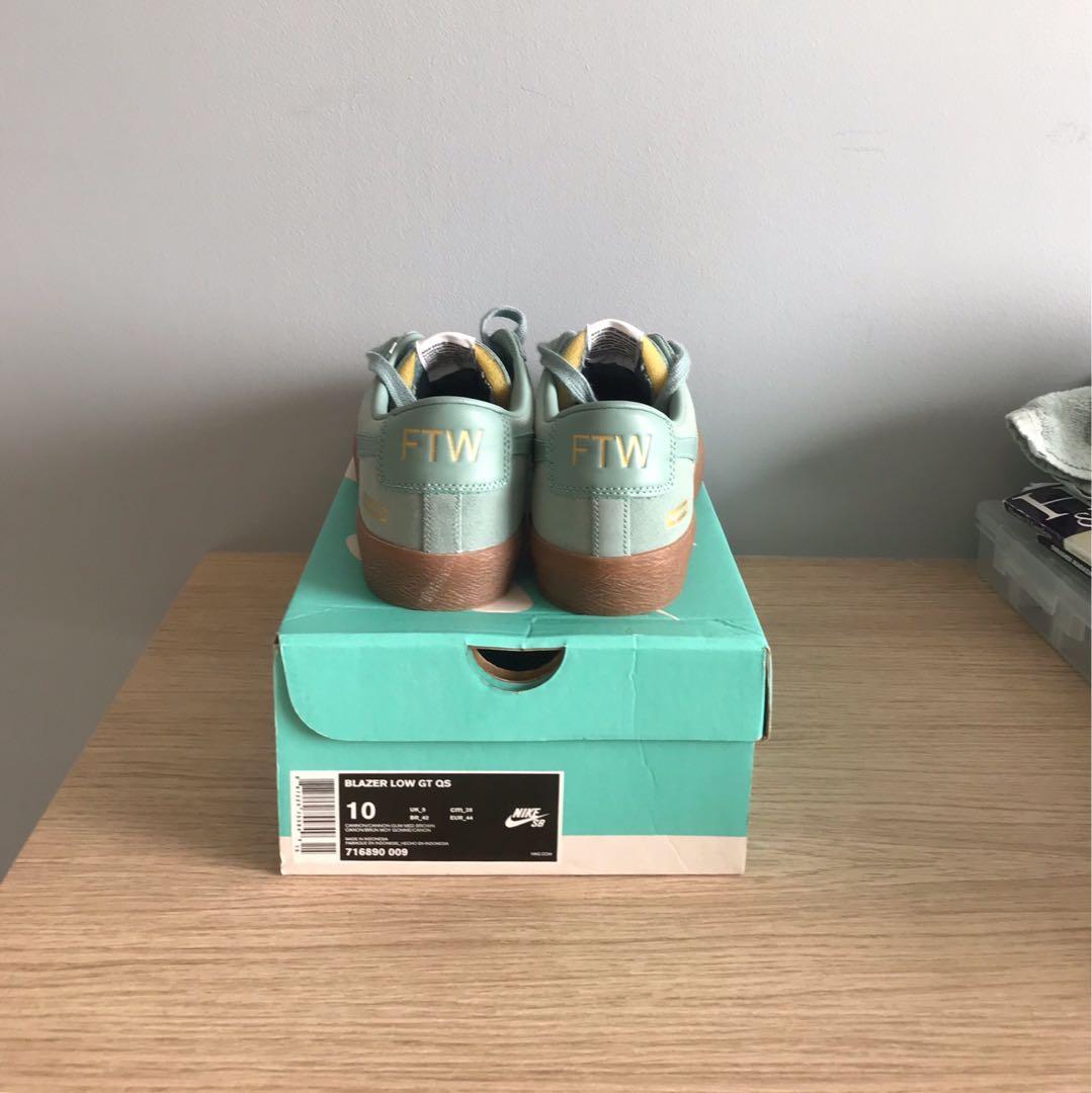 Supreme x Nike SB blazer Low
