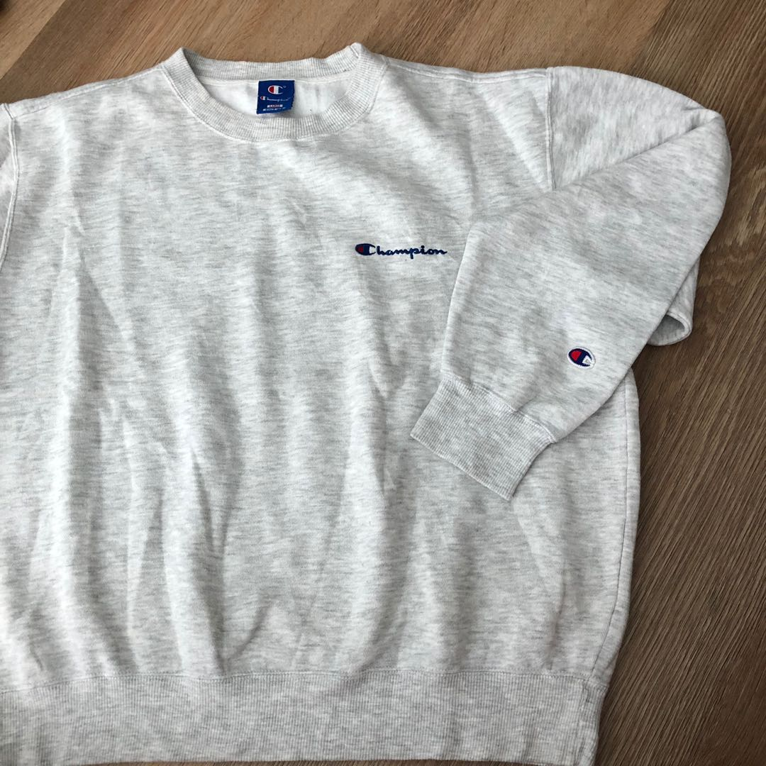 12a1d911 Vintage Champion Sweatshirt Size L, Men's Fashion, Clothes, Tops on ...