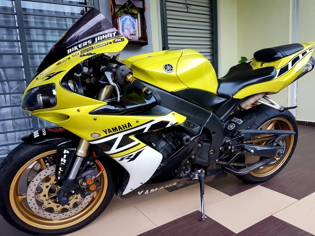 Yamaha R1🇸🇬