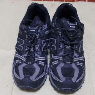New Balance 410 v4 sz9.5 US running shoes