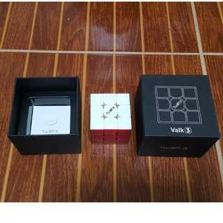 The Valk 3 speed cube rubiks