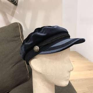 🚚 全新 H&M 絲絨軍帽