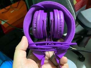 Polaroid purple head phone