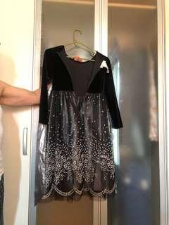 Size US 8 girls dress Long sleeve near New Condotion