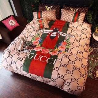 Set Bedsheet & Carpet