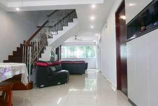 Spacious EM With 4 Bedrooms & 3 Bath Near MRT & Amenities For Sale