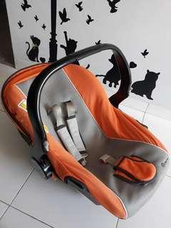 Capella Infant Car Seat/Carrier