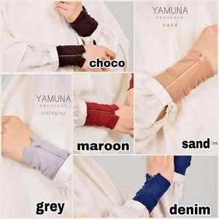 Yamuna Handsocks
