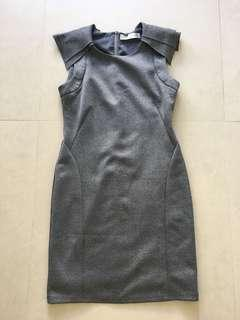 🚚 LAB grey shift dress size M