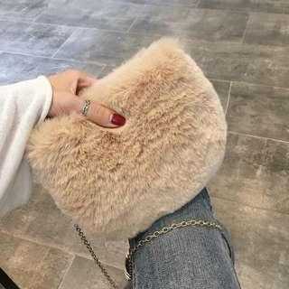 [PO] furry chain sling bag