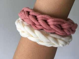 🚚 White and pink fabric bracelets, knitted bracelets