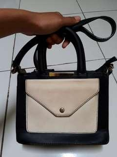 Tas sling bag hitam putih debenhams redhering original