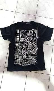 Giordano black drawing tshirt