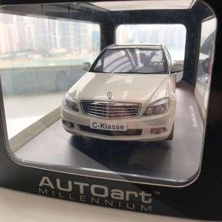 1:18 auto art Benz C Class 白色