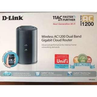 **NEW D-Link Dual Band AC1200 Router Modem