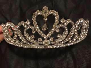 31號前購買包順豐站!閃鑽皇冠頭飾活動吊鑽婚嫁造型頭飾王冠