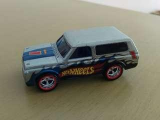 Hot wheels Chevy blazer mail in 2018 loose
