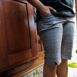 [Used] Celana Pendek EPRISE Kotak Kotak
